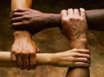 manos-solidaridad